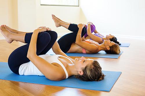 Víkendový kurz hormonální jógy pro ženy - Centrum hormonální jógy - Praha